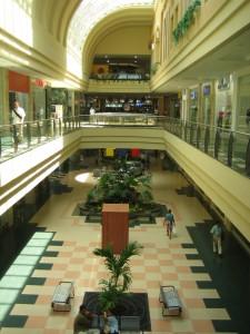 Interior del Centro Comercial Buenavista, Barranquilla